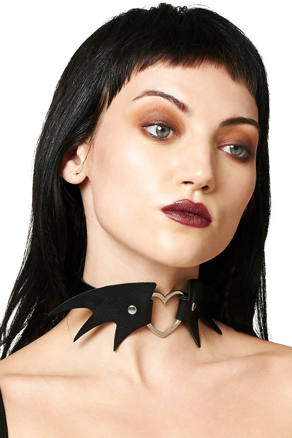bat wing choker collar