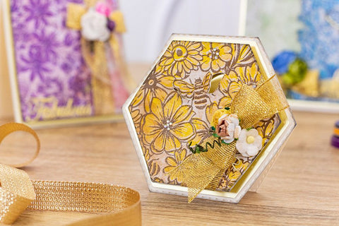 Crafter's Companion - Background Layering Stamps - Bees in the Border