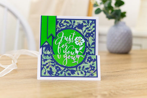 Crafter's Companion - Gemini Create-A-Card Interchangeable Flower Frame Die