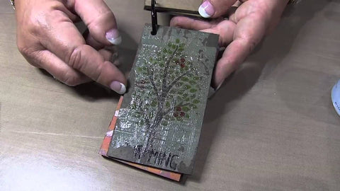 Stencils Studio 490 - Wendy Vecchi - Embossing Paste