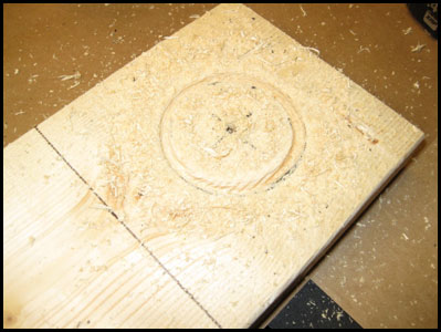 Wood base with quarter inch circular groove