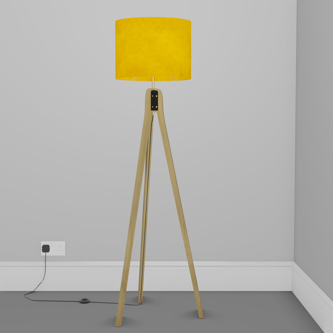 Oak Tripod Floor Lamp - P62 - Yellow Lokta