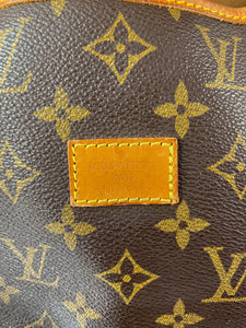 Louis Vuitton monogram Saumur 30 1994 crossbody - My Girlfriend's Wardrobe York Pa