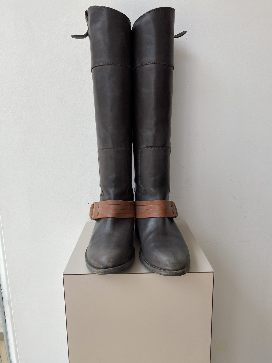 Via Roma 15 gray and brown leather tall boots size 8 NEW