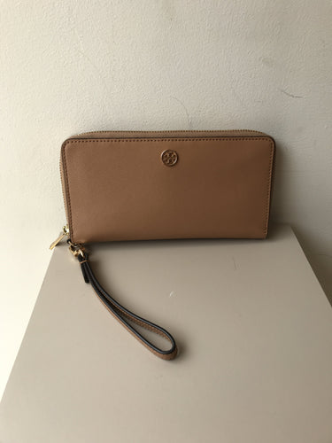 Tory Burch light tan leather Parker zip around wallet/wristlet - My Girlfriend's Wardrobe