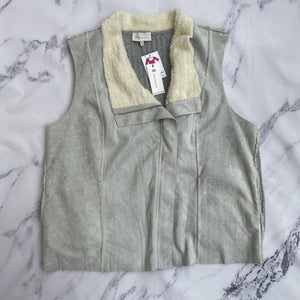 Skies are Blue gray vest NWT - My Girlfriend's Wardrobe York Pa