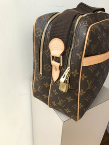 Louis Vuitton Reporter GM messenger - My Girlfriend's Wardrobe York Pa