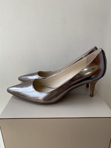 Coach silver metallic leather pumps size 8.5