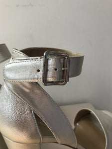 Stuart Weitzman silver metallic platform pumps size 9 NEW - My Girlfriend's Wardrobe York Pa