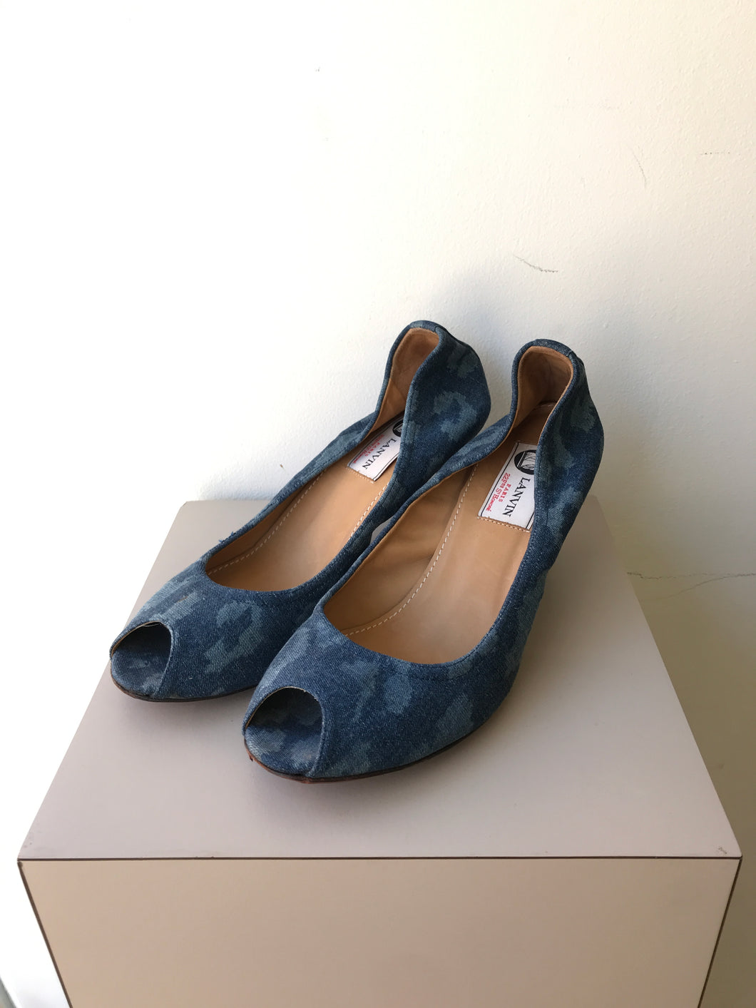Lanvin denim camo peep toe pumps size 39 - My Girlfriend's Wardrobe