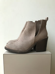 Sugar taupe cutout V ankle boots size 8.5 - My Girlfriend's Wardrobe