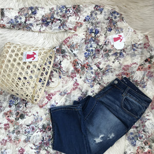 Floral lace duster, boyfriend jeans, and a great little bag - My Girlfriend's Wardrobe York Pa