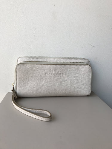 Coach white leather double zip wallet wristlet - My Girlfriend's Wardrobe