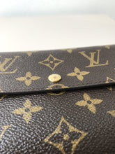 Louis Vuitton vintage monogram Sarah wallet - My Girlfriend's Wardrobe York Pa