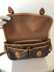 Louis Vuitton vintage monogram Gibeciere crossbody - My Girlfriend's Wardrobe York Pa