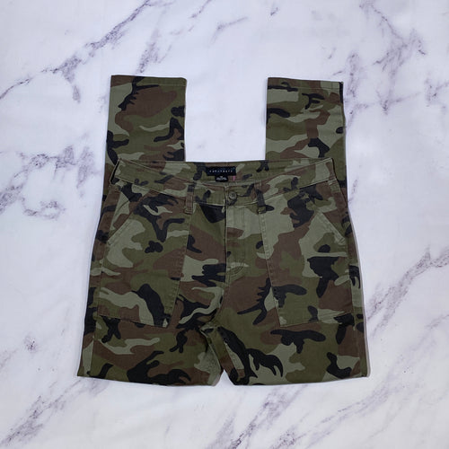 Sanctuary camo skinny pants size 8
