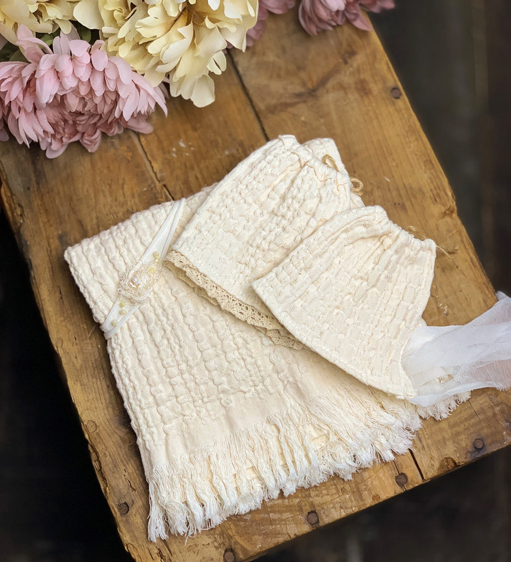 Cream Newborn Textured Set