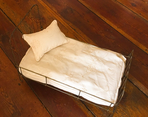 Newborn Little Wire Prop Bed ~ Mattress Covers & Pillows