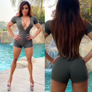 "Connie's ""Island 🌴 Club Girl"" CAMMO 🌴😈🌴 Ribbed, 👀 EXTREME Plunge Button Front Romper🥂...Super Stretch Spandex Fit...🥰🥰🥰"