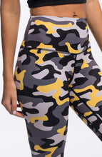 Load image into Gallery viewer, PURSUE LEGGINGS - CAMO YELLOW - hustletics.com