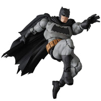 Mafex No. 106 DC Comics Frank Miller's The Dark Knight Returns Batman Action Figure Medicom 6