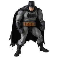 Mafex No. 106 DC Comics Frank Miller's The Dark Knight Returns Batman Action Figure Medicom 3
