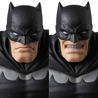 Mafex No. 106 DC Comics Frank Miller's The Dark Knight Returns Batman Action Figure Medicom 8