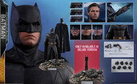Hot Toys 1/6 Justice League Batman (Deluxe) MMS456 Sixth Scale Figure
