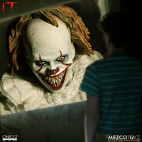 Mezco Toys One:12 Collective: IT: Pennywise Action Figure 7