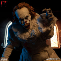 Mezco Toys One:12 Collective: IT: Pennywise Action Figure 8