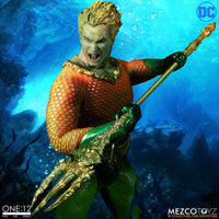 Mezco Toys One:12 Collective: Classic Aquaman Action Figure 4