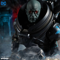 Mezco Toys ONE:12 Collective Mr. Freeze Deluxe Edition Action Figure