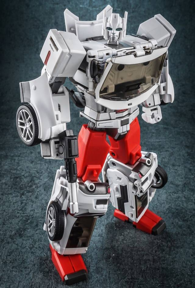 Generation Toy Guardian GT-08A Sarge (US Ver.) Action Figure