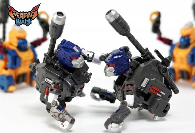 Perfect Effect PC-19B Perfect Combiner Black Beast Gorira 2-Pack Action Figure 1