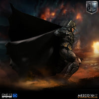 Mezco Toys One:12 Collective: DC Comics Justice League Batman Tactical Suite Action Figure 3