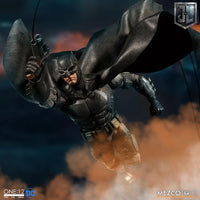 Mezco Toys One:12 Collective: DC Comics Justice League Batman Tactical Suite Action Figure 4