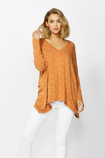 Betty Basics Geneva V-Neck Top in Clay Spot