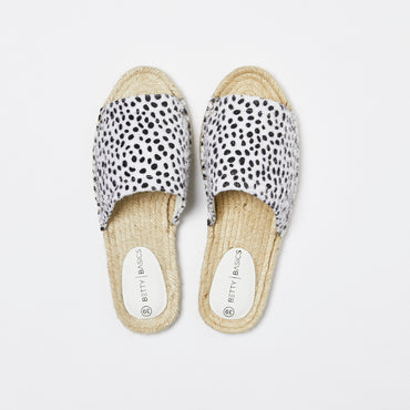 Betty Basics Gypsy Slides in Snow Leopard