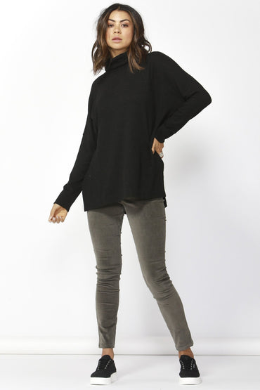 Betty Basics Ivo Cosy Pullover in Black - Hey Sara