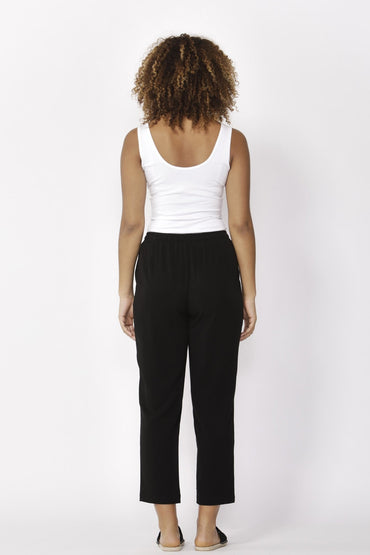 Betty Basics Jackson Crop Pant in Black - Hey Sara