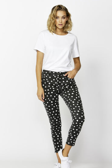 Betty Basics Linden Jean in Black Spot - Hey Sara