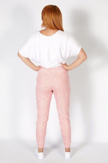 Betty Basics Lindsay Jogger in Pink Ocelot - Hey Sara