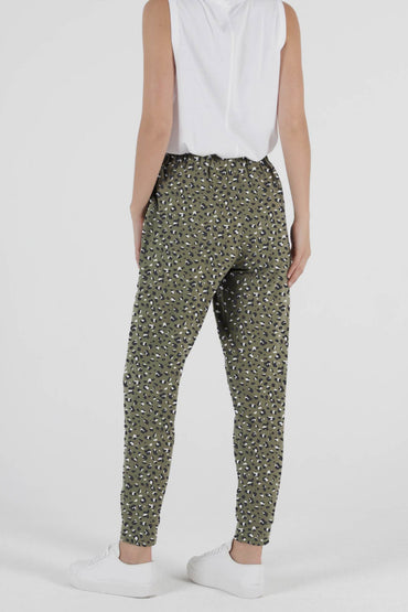 Betty Basics Lindsay Jogger in Puma Print - Hey Sara