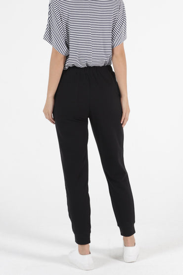 Betty Basics Lindsay Jogger Pant in Black - Hey Sara