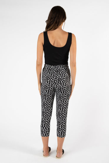 Betty Basics Lyon Pant in Heart Ocelot - Hey Sara
