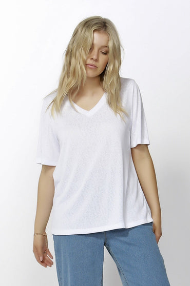 Betty Basics Messina V-Neck Tee in White - Hey Sara