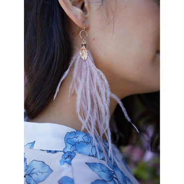 Inca earring with Rose Pink feather and Gold detail