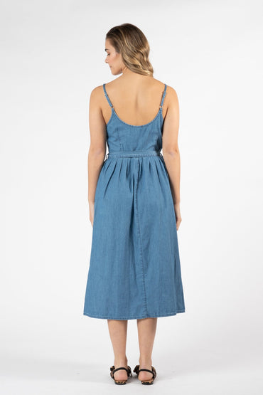 Sass Chambray Denim Dress in Acid Wash Blue Size 12 Only - Hey Sara
