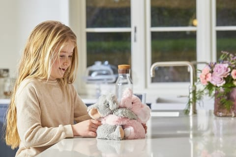 Warmies Hugs 9 / 23cm - Plush Animals filled with Flaxseed and French Lavender - Elephant Hugs