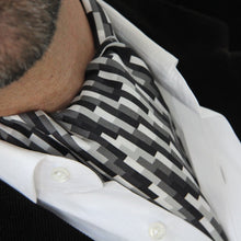 Test Signal Cravat & Pocket square
